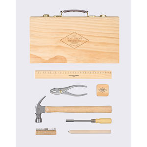 W & W Tool Kit in Wooden Box GEN283